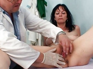 non-professional milf twat checkup by smutty gyn