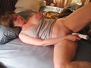 mrs. commish masturbates for her fans