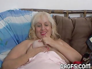aunt rosa rubbing her overweight cunt