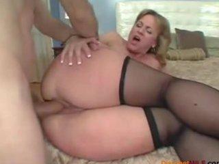 big butt mamma loves anal sex