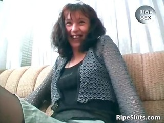 excited brunette d like to fuck massage her vagina
