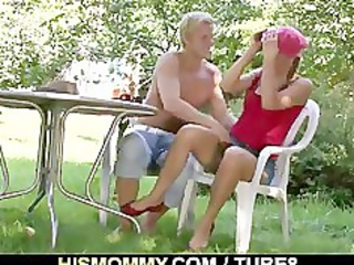 mamma toying his gf outdoors