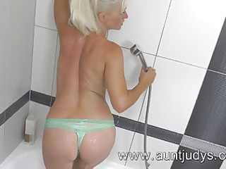hot milf fucking session in the shower