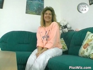 horny mother i brunette piddle and fuck her