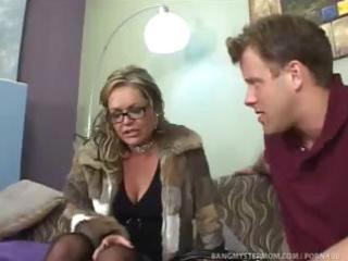 lascivious step mom pushes relationship