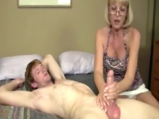giving granny is giving a dong massage