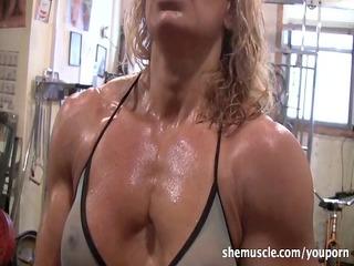 hawt mature blonde workout