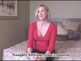 aged wife gets creampie
