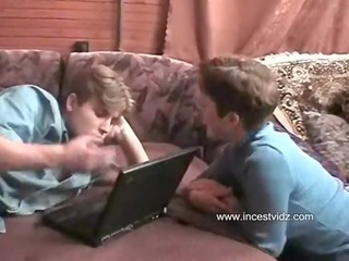 son play at computer but come horny mom and