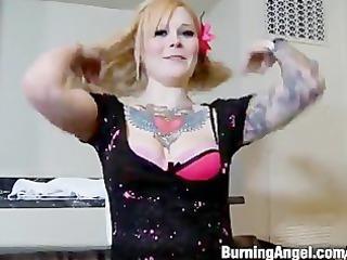 tattooed blone copulates in hotel