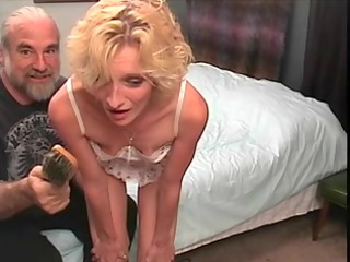 slinky blonde mother id like to fuck receives a